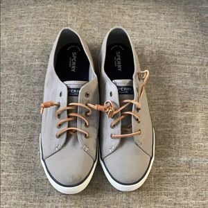 Sperry casual tennis shoes